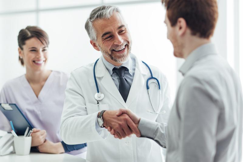 Hãy đến gặp bác sĩ khi hẹp bao quy đầu gây ra nhiều vấn đề cho sức khỏe, sinh hoạt