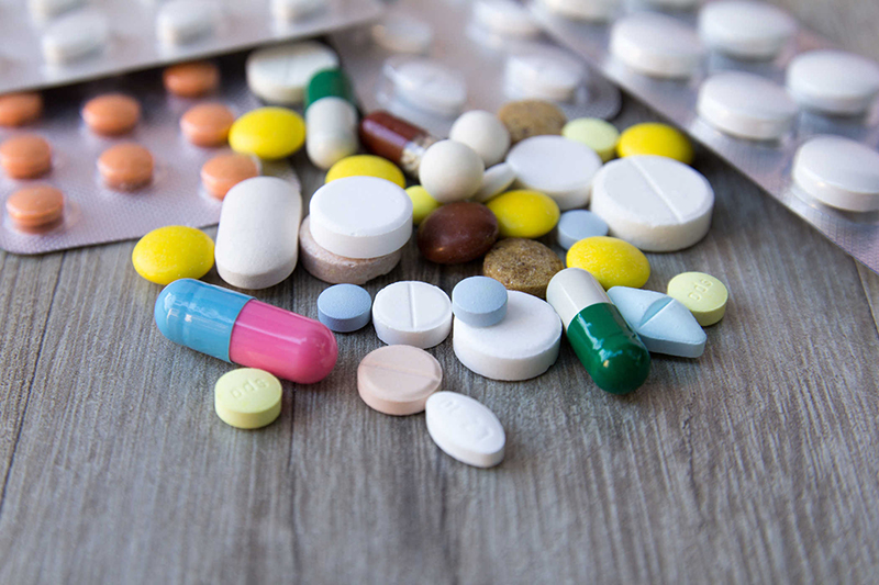 Thuốc kháng sinh điều trị viêm niệu đạo ở nam giới