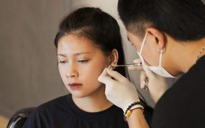Bấm lỗ tai bao lâu thì tháo và những lưu ý mẹ cần biết