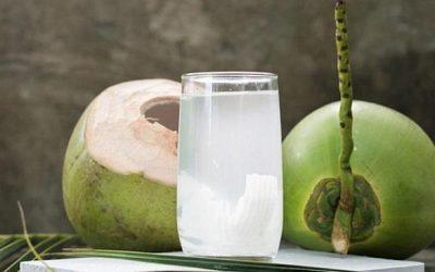 Uống nước dừa buổi tối có thực sự tốt không?